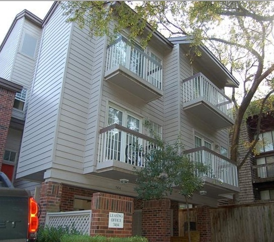 fair-oaks-carriage-home-dallas-tx-building-photo-1